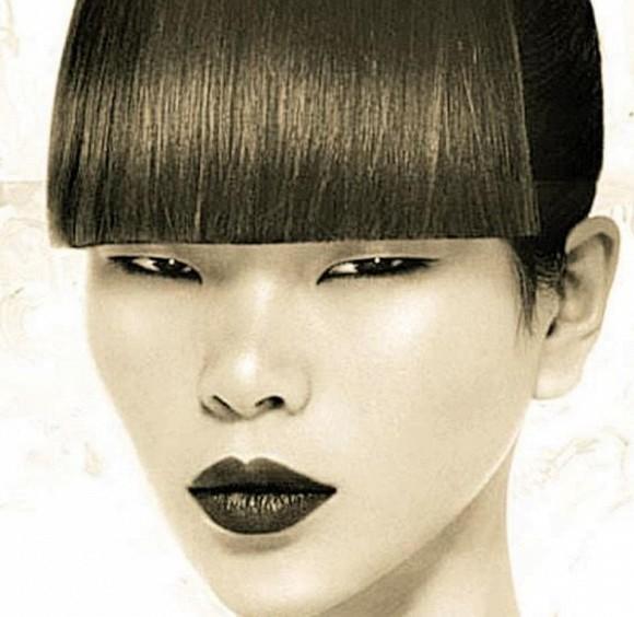 Bạn còn nhớ Người mẫu xấu xí số 1 Trung Quốc Lữ Yến chứ? Con trai cô ấy lớn lên như hoàng tử lai-1