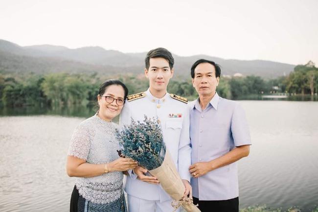 Anh chàng người Việt cực phẩm mới nổi trên Tiktok làm cảnh sát Hoàng gia Thái Lan kiêm giảng viên đại học-2