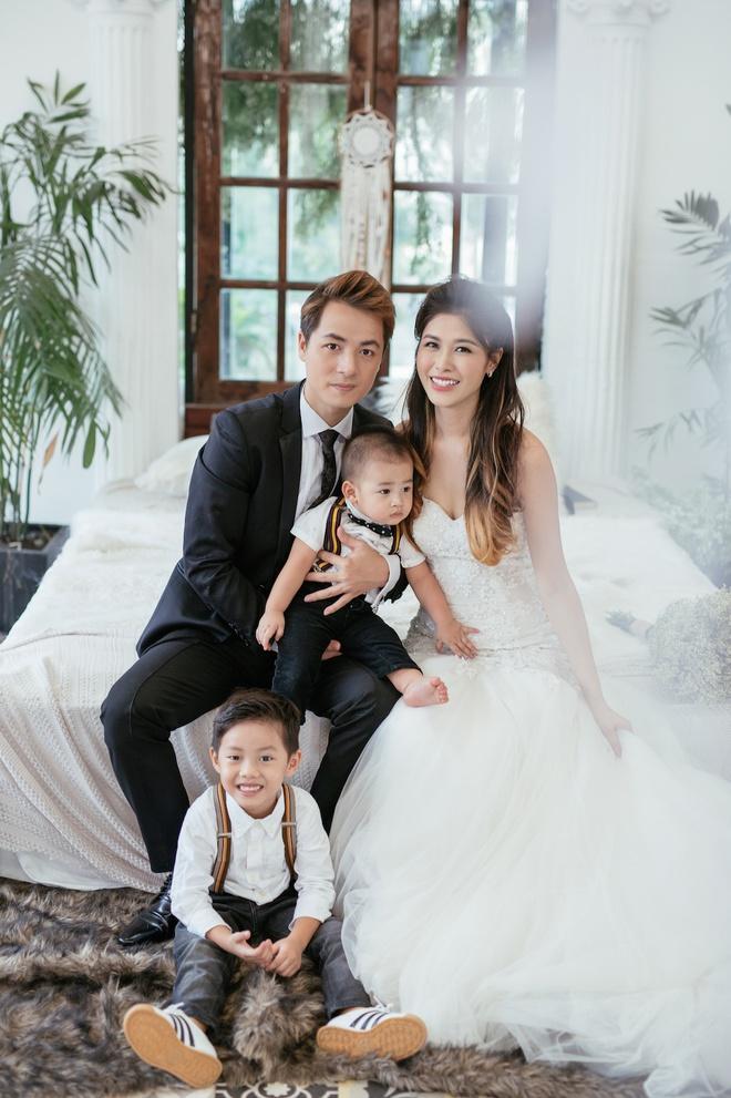 Ngỡ ngàng nhan sắc hội chị em dâu trong gia đình ca sĩ Đăng Khôi-4