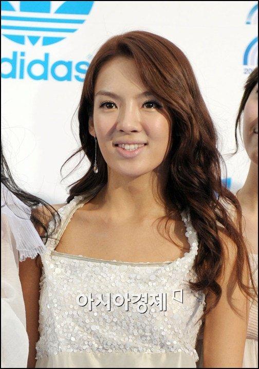 Giờ đây là nữ thần K-Pop, mấy ai biết thuở debut họ bị chê xấu thậm tệ ra sao-1