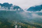 Mây mờ giữa vùng núi đá Hà Giang