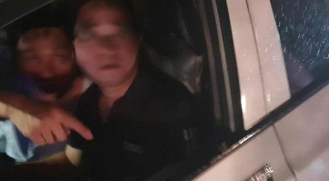 Tài xế nghi say rượu tông bé gái ở Hà Nội bị thương, giả công an nạt nộ mọi người rồi bỏ chạy-1