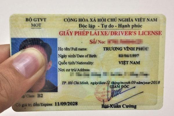Đề xuất rút thời hạn giấy phép lái xe còn 5 năm-1