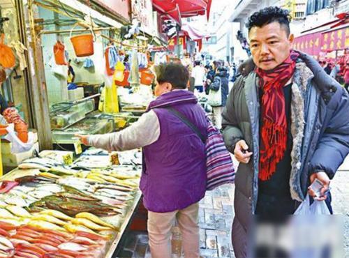 Cuộc đời tài tử Thiên long bát bộ: Hiến gan, kiếm tiền chữa bệnh cho vợ cuối cùng vẫn ly hôn-3