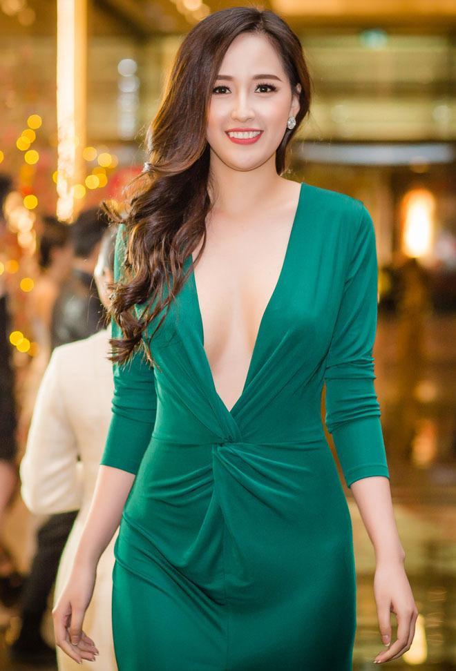 3 kiểu váy khoe ngực táo bạo nhất của mỹ nhân Việt-6