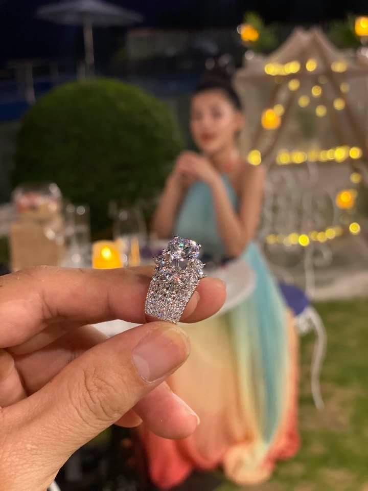 Lương Bằng Quang khoe nhẫn kim cương cầu hôn Ngân 98-1