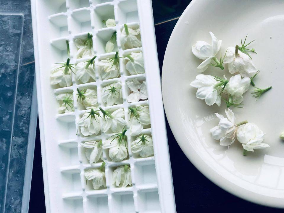 Chỉ một cây hoa nhài nhỏ, mẹ đảm ra tay biến tấu thành nhiều món ngon khó khước từ-2