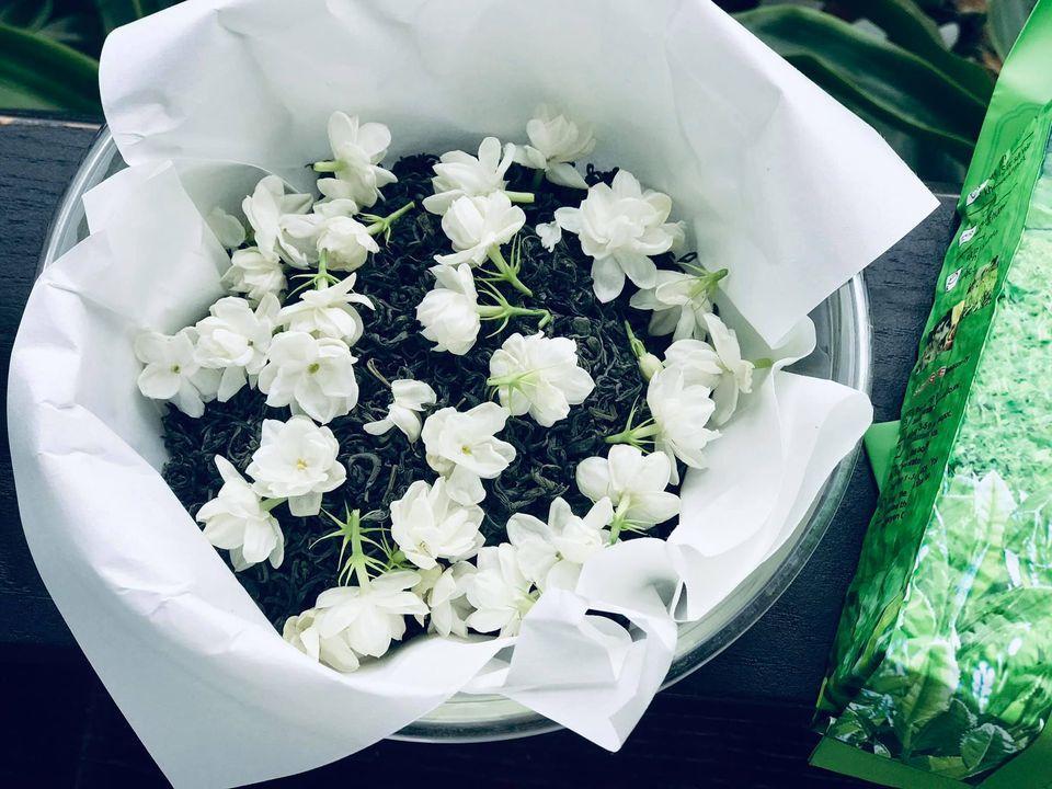 Chỉ một cây hoa nhài nhỏ, mẹ đảm ra tay biến tấu thành nhiều món ngon khó khước từ-3