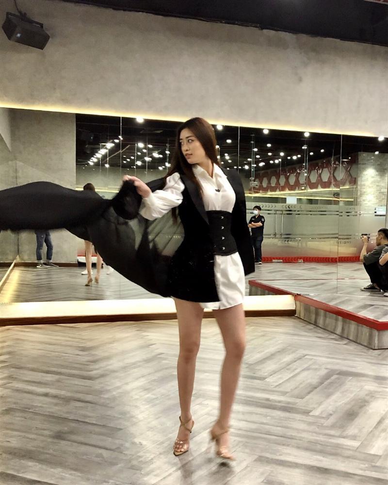 Khánh Vân bị diễn đàn thanh nhạc chê hô Việt Nam chua - chói - gắt tai-2