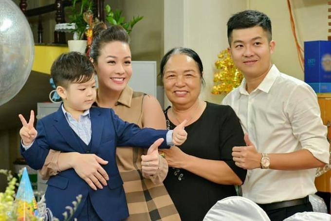 Nhật Kim Anh tiếp tục cuộc chiến giành quyền nuôi con, tóc đen hóa tóc bạc-3