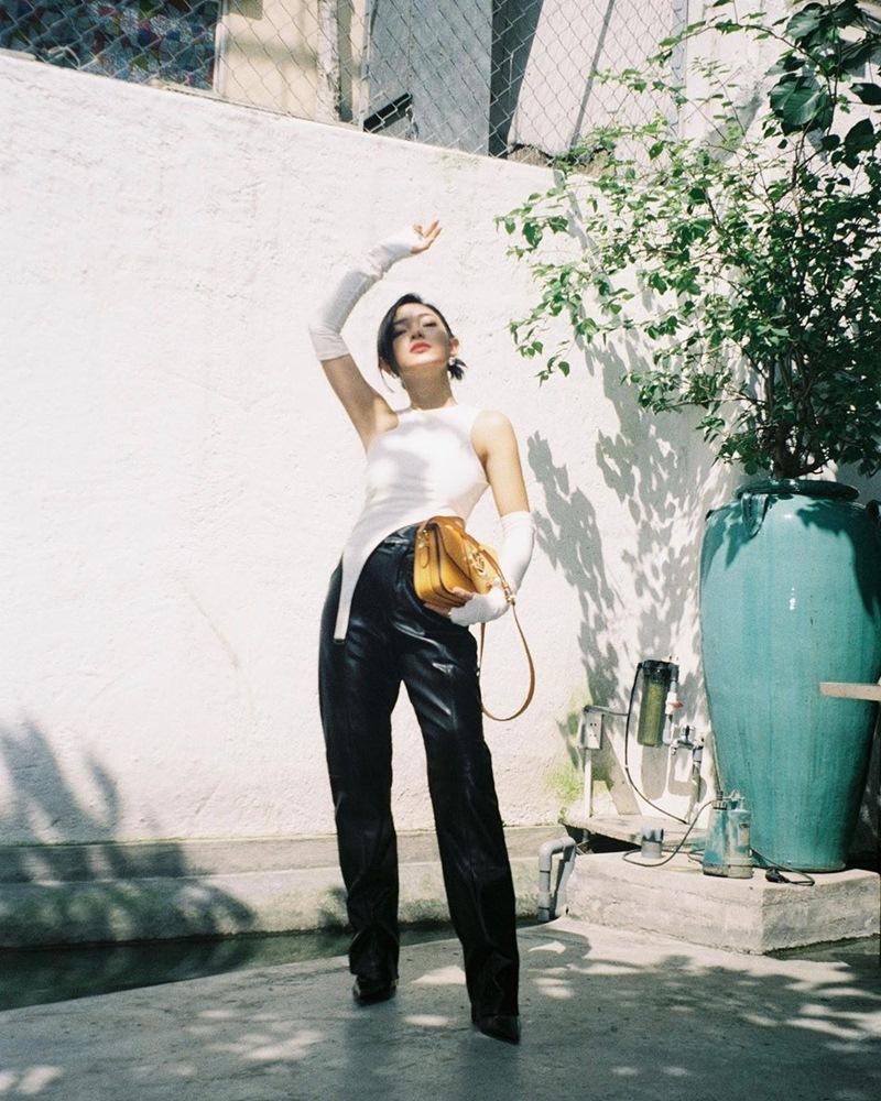 Street style 2/9: Hòa Minzy khoe võng lưng gợi cảm - Tiểu Vy hip hop chất lừ-13