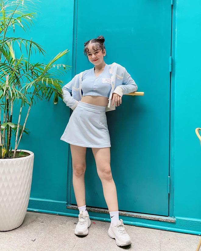 Street style 2/9: Hòa Minzy khoe võng lưng gợi cảm - Tiểu Vy hip hop chất lừ-8