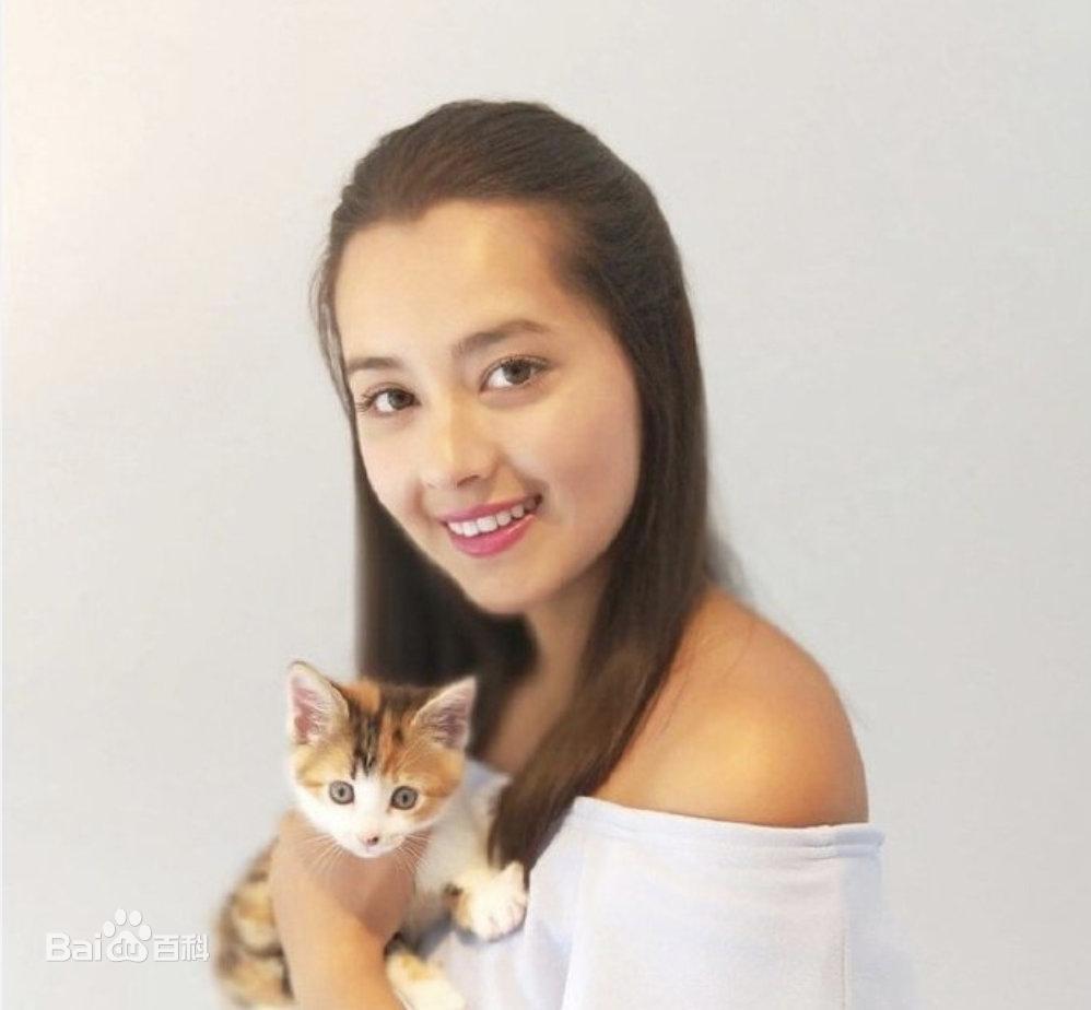 Cận cảnh nhan sắc tân Hoa hậu Hong Kong: Vỏn vẹn 1m60, hao hao Địch Lệ Nhiệt Ba-10