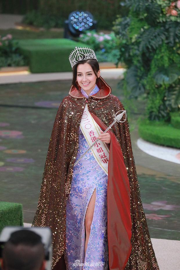 Cận cảnh nhan sắc tân Hoa hậu Hong Kong: Vỏn vẹn 1m60, hao hao Địch Lệ Nhiệt Ba-4