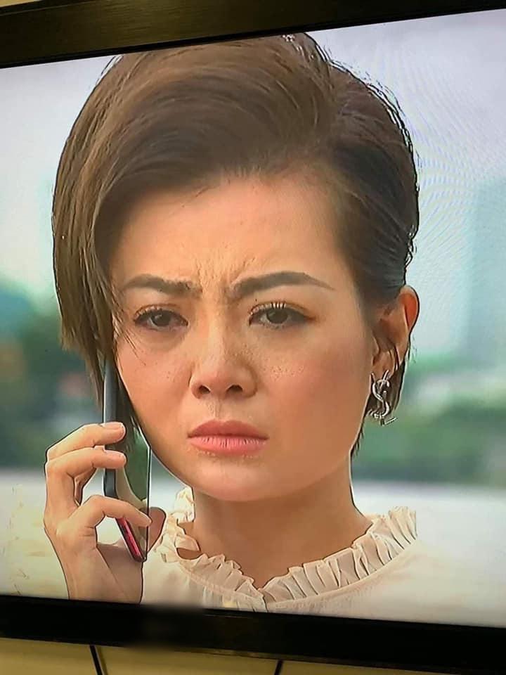 Lan Cave Thanh Hương lộ mặt rỗ khác hẳn lúc livestream PR kem dưỡng da-2