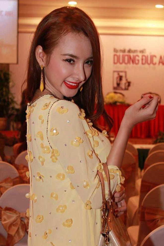 Đã 2 mùa Vu Lan báo hiếu, nhan sắc Angela Phương Trinh liên tục được ngợi khen-8