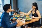 Tình cảm vợ chồng có hòa hợp hay không, chỉ cần nhìn thoáng qua bữa ăn là biết