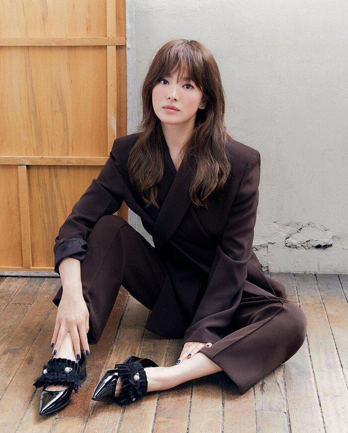Song Hye Kyo ly hôn xong mà còn trẻ trung, chất lừ hơn khi làm vợ Song Joong Ki-2