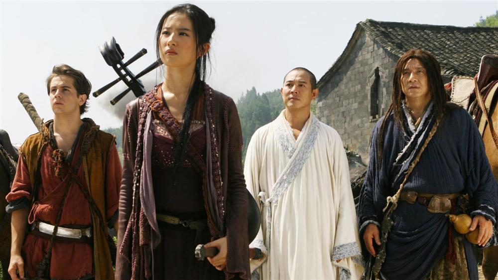 Lưu Diệc Phi gặp không ít tai nạn ở phim trường, có lần may mắn được Lý Liên Kiệt cứu sống-1