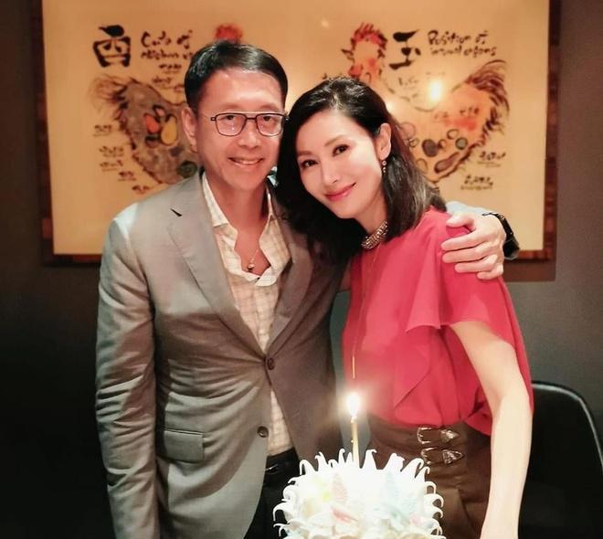 Hoa hậu Lý Gia Hân tiết lộ bí quyết giữ dáng ở tuổi 50-9