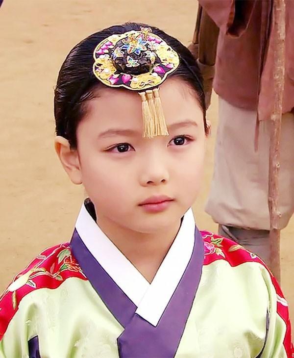 Chuyện chưa kể về nữ thần thế hệ mới Kim Yoo Jung-2