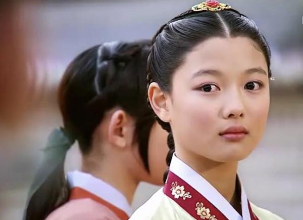 Chuyện chưa kể về nữ thần thế hệ mới Kim Yoo Jung-3