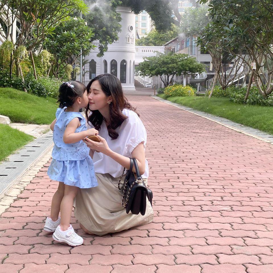 Hoa hậu Đặng Thu Thảo rụng tim vì một câu nói của ái nữ 2 tuổi-2
