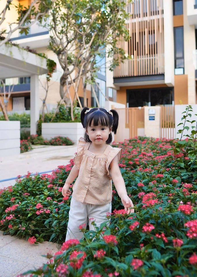 Hoa hậu Đặng Thu Thảo rụng tim vì một câu nói của ái nữ 2 tuổi-3