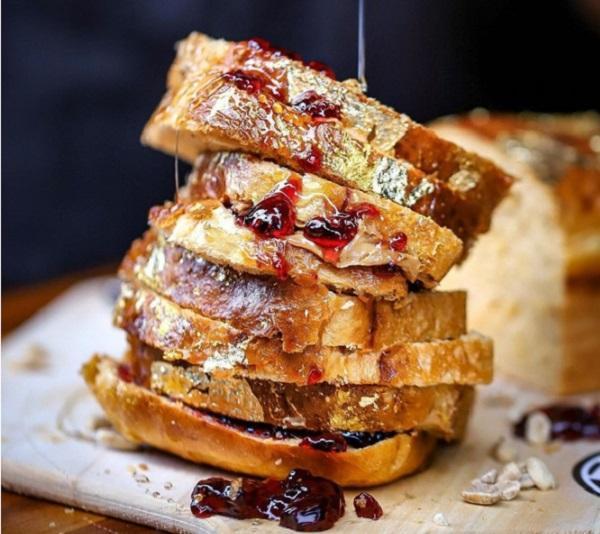 Bánh mì sandwich dát vàng đắt nhất thế giới-1