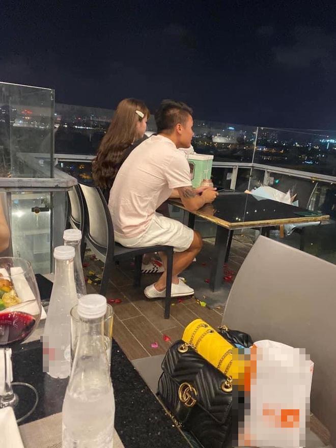 Tiết lộ chi tiết nghề nghiệp bạn gái Quang Hải giấu kín thời gian qua-3