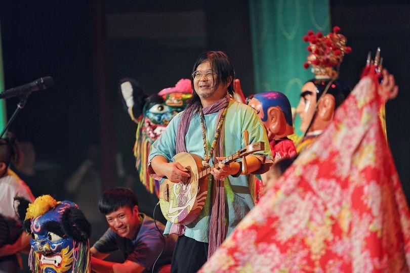 Ca sĩ quốc dân nhạc tình của Đài Loan đột tử khi đang biểu diễn-2