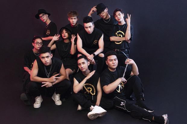 Wowy than nghèo chưa chụp ảnh nhóm như Binz hay Karik, nhưng vẫn hơn Suboi chẳng có gì!-6