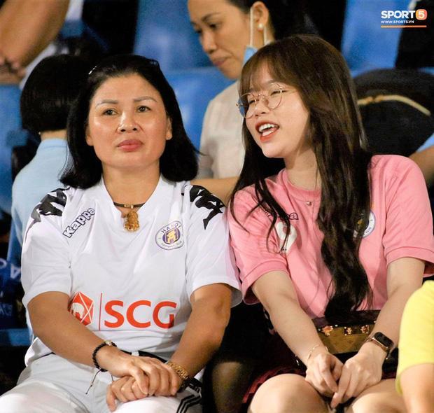 Huỳnh Anh vừa có động thái khẳng định mối quan hệ với Quang Hải cực tốt sau loạt drama-3