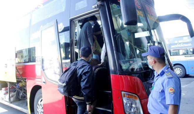 Khôi phục hoạt động xe khách, tàu hỏa, máy bay đi và đến Đà Nẵng từ 0h ngày 7/9-1