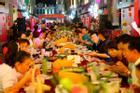Ăn tiệc kiểu Trung Quốc: Nửa ăn nửa bỏ, khách muốn ăn chay - chủ nhân 'ép' ăn mặn