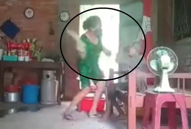 Cụ già bị con hành hạ, đổ rác vào miệng ở Long An: Con gái liên quan đến cái chết của mẹ?-3