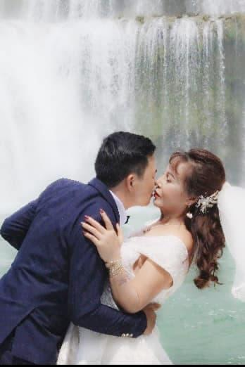 Cô dâu Cao Bằng kỷ niệm 2 năm ngày cưới, không ngại khoe ảnh hôn chồng trẻ-3