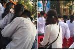 Học sinh đi khai giảng mà ôm ấp không rời, cô giáo xử thẳng tay cả anh lẫn chị