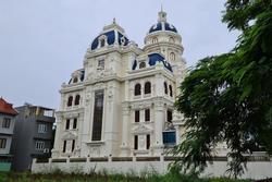 Cận cảnh 'siêu lâu đài' có nóc đỗ trực thăng của đại gia xăng dầu Ngô Văn Phát