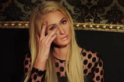 Paris Hilton ám ảnh chuyện bị tình đầu bán băng sex