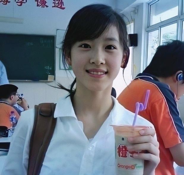 Cuộc sống của hot girl trà sữa sau 11 năm lấy chồng tỷ phú hơn 19 tuổi-1
