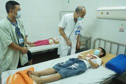 Hà Nội: Nhiều học sinh tiểu học ở Đông Anh nhập viện do nghi ngộ độc thực phẩm