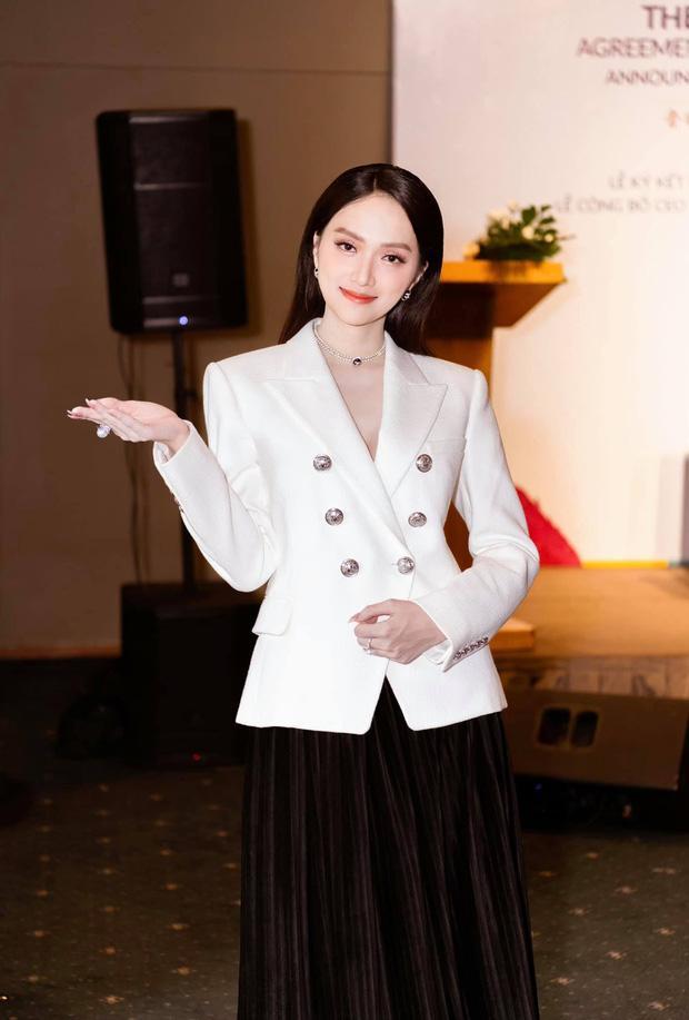 Ngọc Trinh đeo đồng hồ 4 tỷ đồng - Diệp Lâm Anh khoe body nuột nà với đầm xẻ-5