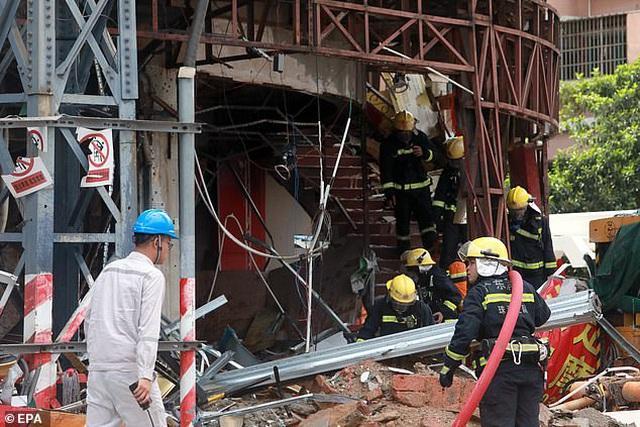 Clip: Cận cảnh vụ nổ kinh hoàng phá tung khách sạn ở Trung Quốc-1