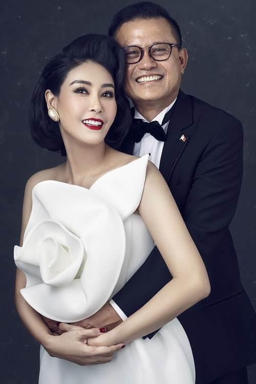 Gia thế khủng của đại gia cưới vợ là hoa hậu kém 12 tuổi, đám cưới chỉ 100 khách mời-1