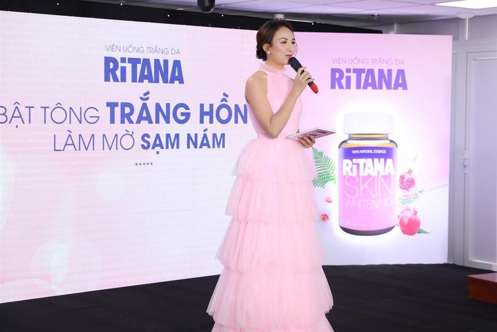 Dàn người đẹp Việt đọ dáng với đầm xẻ tà-7