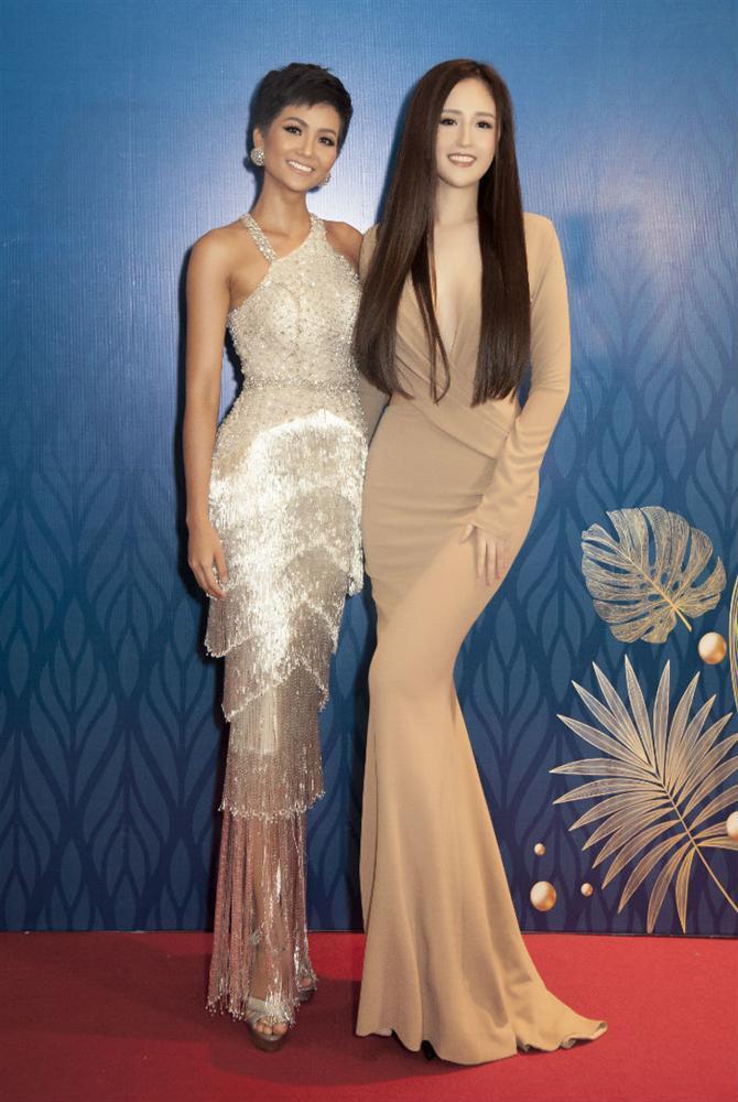 Chiều cao thật thật ảo ảo của Hoa hậu HHen Niê-8