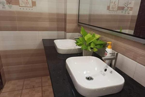 Choáng ngợp nhà vệ sinh trường người ta: Đẹp như khách sạn 5 sao-4
