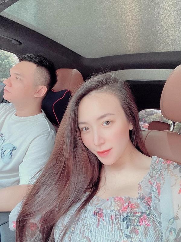 Thường đăng ảnh sống ảo, vợ Khắc Việt lộ nhan sắc thật khi đang bầu song thai-9