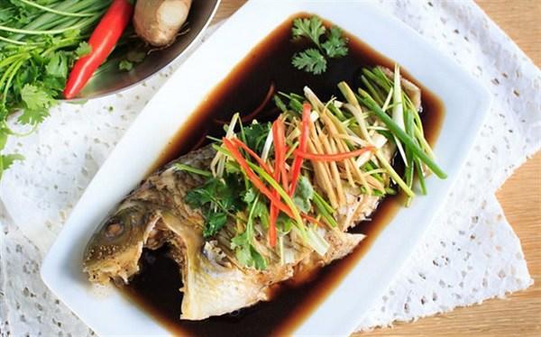 Hấp cá, đừng dại cho gia vị quen thuộc này, nhiều người làm sai bảo sao cá tanh nồng nặc-3